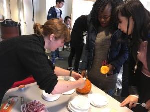 pumpkincarving07img_9729